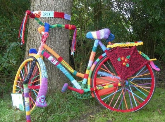guerrilla knitting