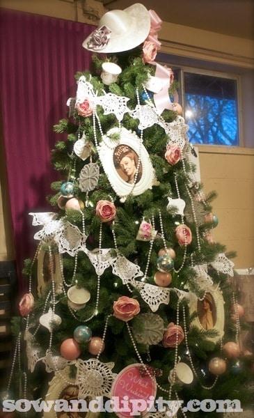 Downton Abby Themed Christmas Tree