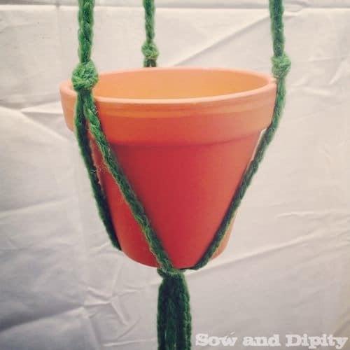 Macrame Plant Hanger 3 (1)