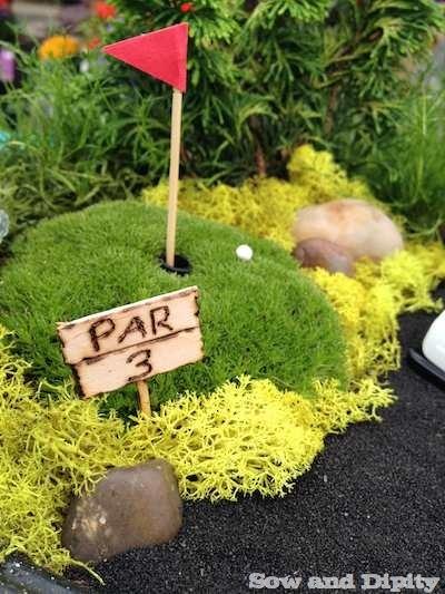 Mini garden golf green in a roasting pan (1)